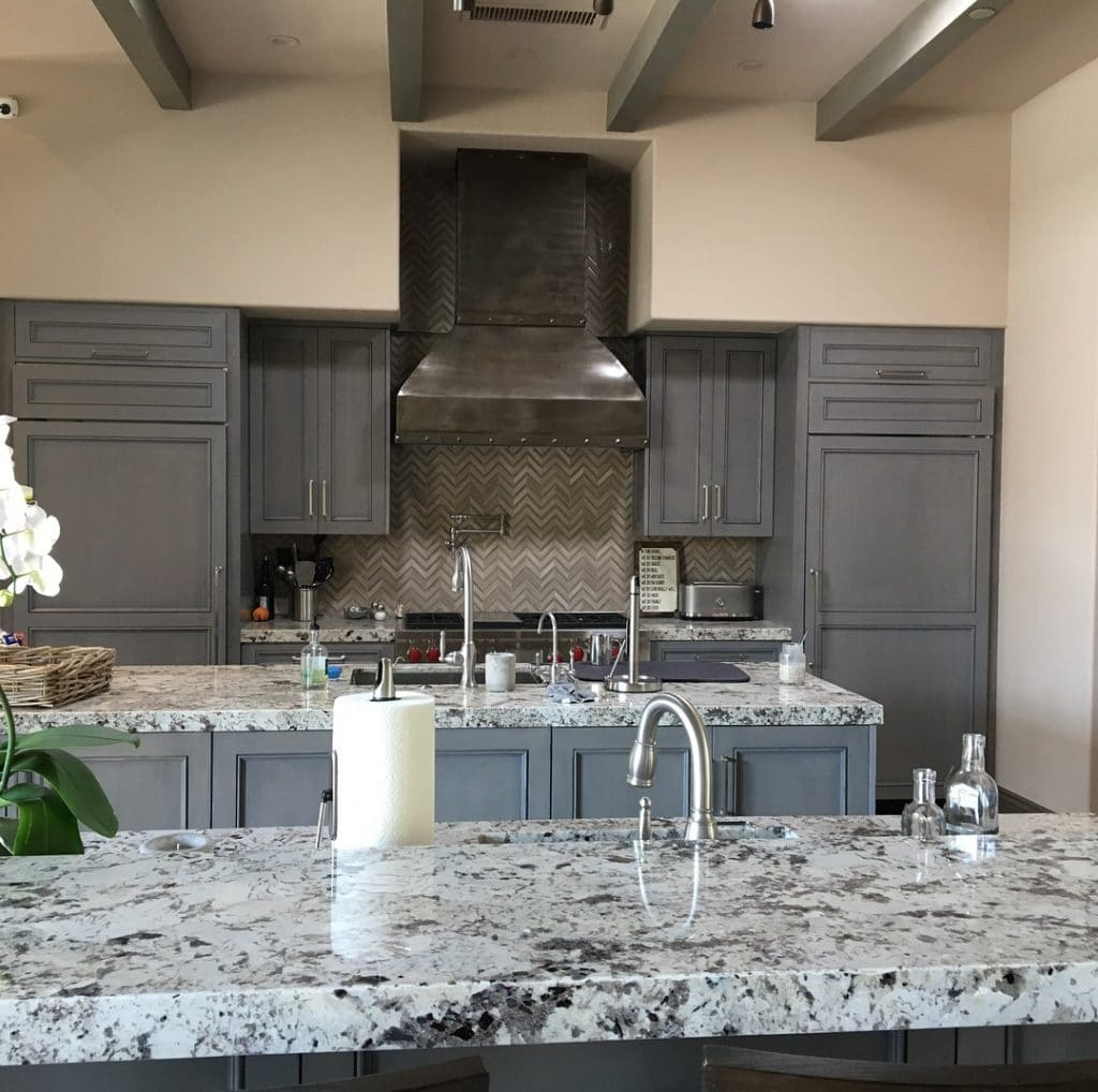 KITCHEN AND RANGEHOOD INDIAN WELLS